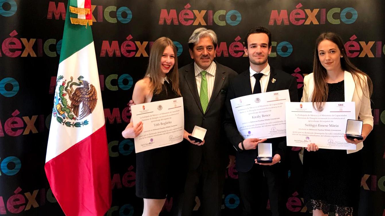 mexikoi-nagykövetseg-díj.jpg